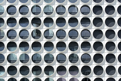 Ravel Residence (Jan van der Wolf) Tags: map171299ve facade gebouw gevel architecture architectuur amsterdam circle round windows ramen ravelresidence patroon pattern