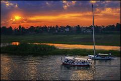 Atardecer en el río Nilo (bit ramone) Tags: atardecer sunset río river nilo egipto egypt boat barcos agua water viajes travel biramone غروبالشمسعلينهرالنيل