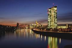 Frankfurt at dawn (Staufen39) Tags: ezb bridge brücke river frankfurt fluss main osthafen bluehour dawn