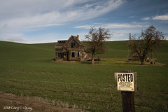 Needs a Little Paint (Gary L. Quay) Tags: abandoned house emerson loop road thedalles oregon needs paint gary quay