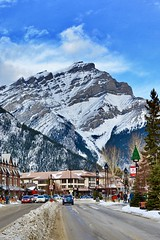 Banff Town, Banff National Park, Canada (leo_li's Photography) Tags: 世界文化遺產 canada banffnationalpark banff winter 加拿大 班芙國家公園 亞伯達省 亞伯達 alberta rockymountains mountain canadianrockymountains