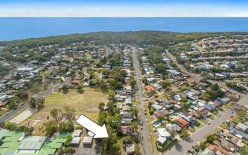 6 Keats Av, Bateau Bay NSW 2261