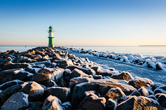 Eiskalt (Petra Runge) Tags: warnemünde winter eis mole leuchtturm meer landschaft küste lighthouse coast sea ice balticsea ostsee deutschland germany