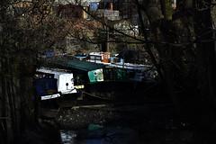 Snug (HoosierSands) Tags: canal riverbrent grandunioncanal houseboats lowtide brentford london