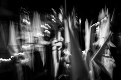 In memoriam. ( full screen ... ) (J. Javier Nerín.( Busy. Training orcs.)) Tags: zoomming blur icm optic handheld longexposure