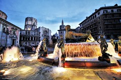 Valencia notturna (IVAN 63) Tags: valencia sunset city spain classic night cityscape oldtawn oldtown