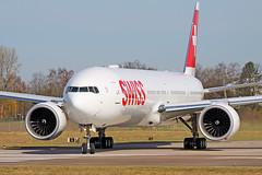 Boeing B777-3DE(ER) - HB-JNI - HAJ - 07.04.2018 (Matthias Schichta) Tags: hannoverlangenhagen haj eddv planespotting airport aircraft swiss boeing777300 hbjni