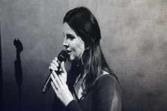 Lana Del Rey, Milano (PaoloF- Kiss me like the ocean breeze) Tags: lana del rey live milan milano lust for