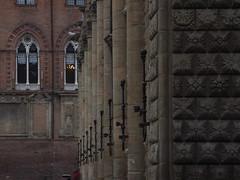 Colonnato Palazzo del Podesta' (Melvintay) Tags: bologna palazzibolognesi arte
