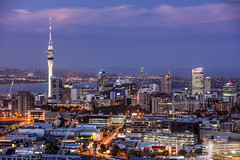 THE AUCKLAND CITY SKYLINE FROM THE SUMMIT OF MOUNT EDEN, NEW ZEALAND. (amrilizan photography) Tags: auckland aucklandcity mountedenauckland newzealand mounteden