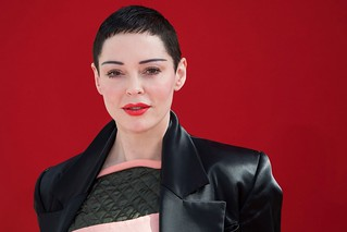 Hearing postponed in Rose McGowan drug possession case