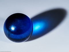 Macro Mondays #The Blues (J.Weyerhäuser) Tags: macromonday hmm theblues makro studio blitz murmel marble blue blau schatten