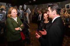 Karin Kneissl besucht das Holocaust Museum in Skopje