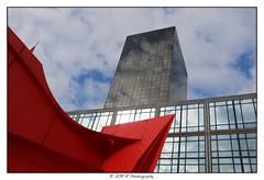 2018.04.01 La Défense 33 (garyroustan) Tags: paris france french iledefrance ile island building architecture ville ciudad city life defense