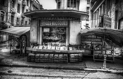 toulon (joboss83) Tags: livres book toulon rue hdr fujixt1 provence frip bw noire et blanc ville var france