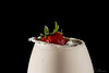 Erdbeeren Splash (Andreas Stamm) Tags: food splash green erdbeeren strawberry red rot grün highspeed tropfen drop droplets