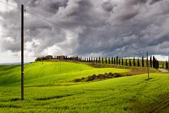 Apocalyptic sky (SLpixeLS) Tags: italy italie tuscany toscane toscana landscape paysage tree arbre cypress cyprès sky ciel cloud nuage dramatic dramatique agriturismosantaluciacapanne platinumheartaward