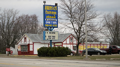 Surf to Turf... (Nicholas Eckhart) Tags: america us usa fortwayne indiana in 2018 retail former reuse longjohnsilvers