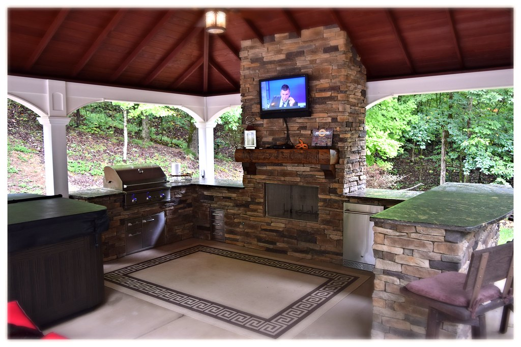 Custom Delta Heat Outdoor Kitchen. McDonald, Tn.