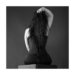 Korsett (Knipsbildchenknipser) Tags: stephanie korsett gothic girl female frau weiblich sw schwarzweiss monochrome blackandwhite blackwhite bw