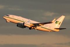 HZ-101   Boeing 737-7DP(BBJ)   Royal Saudi Air Force (cv880m) Tags: newyork kennedy jfk kjfk aviation aircraft airliner airplane jetliner bizjet airforce hz101 boeing 737 73g bbj 737700 7377dp saudi winglet royalsaudiairforce vip saudiarabia