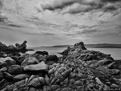 Punta di Campomoro (bryzlame - photo) Tags: corse bryzlame monochrome nuages clouds mer méditerranée rocher lumix gx80 leica paysage landscape noir blanc