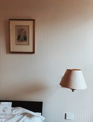 05/03/2018 (carcioneelena) Tags: paris city france trip travel work hotel ruevaneau light pastel colours bedroom interiors interiordesign design art decor bed lamp painting wall details capture photography vsco