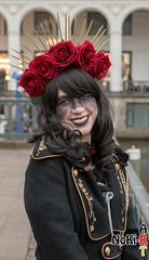 Rosenmädchen (Norbert Kiel) Tags: mädchen dornen schwarz rot hamburg maskenzauber masken zauber venedig italien deutschland alster verkleidung kostüme nokiart
