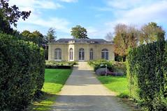 L'orangerie (Raymonde Contensous) Tags: seineetmarne châteaudechampssurmarne jardins parcs nature paysage arbres fleurs plantes orangerie