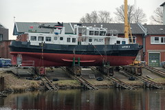 Lotsenboot Lotse 2 (hu.roescheisen) Tags: hamburg hamburgharburg lotsenboot werft