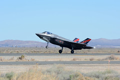 F-35 Lightning II (linda m bell) Tags: losangelescounty airshow 2018 lancaster california foxfield aircraft f35lightningii f35 lockheedmartin f35a af01