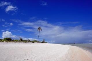 Panorama ensoleillé de l'Atoll de Mataiva, Polynéssie française