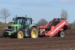 John Deere 6830 Tractor with a Grimme CS150 Rota Power Destoner (Shane Casey CK25) Tags: john deere 6830 tractor grimme cs150 rota power destoner jd green spuds spud potatoes potato traktor trekker traktori tracteur trator ciągnik midleton drill sow sowing set setting drilling tillage till tilling plant planting crop crops cereal cereals county cork ireland irish farm farmer farming agri agriculture contractor field ground soil dirt earth dust work working horse horsepower hp pull pulling machine machinery grow growing nikon d7200