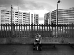 iPhone photo 49 - Milano (Jacopo Pandolfini) Tags: palazzi buildings attesa waiting stazione trainstation milan milano italia italy urbano urban street streetview bw bn blackandwhite biancoenero iphone7 iphone