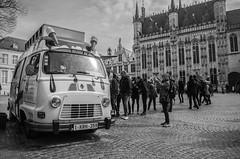 Ice ice baby (littlelionman97) Tags: brugge bruges belgium belgique spring april 2018 europe europa ice waffle car oldtimer renault people bw pentax pentaxk50