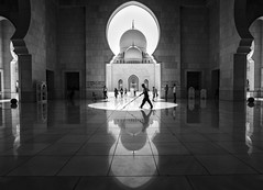 Shaykh Zayed Mosque, Abu Dhabi (kungfuslippers) Tags: mosque shaykhzayed reflection silhouette architecture building dome