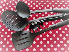 Kitchen Helper (Hannelore_B) Tags: macro küchenhelfer kitchenhelper kitchenitems handtools flickrfriday macromademoiselle kitchtoolia smileonsaturday