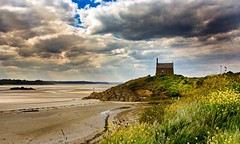 la chapelle Saint-Maurice (Patrick Doreau) Tags: chapelle siantmaurice baie saintbrieuc bretagne mer nuage ciel groupenuagesetciel