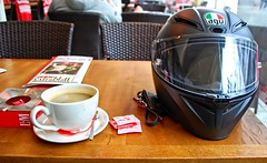 Coffee Break (driver Photographer) Tags: 摩托车,皮革,川崎,雅马哈,杜卡迪,本田,艾普瑞利亚,铃木, オートバイ、革、川崎、ヤマハ、ドゥカティ、ホンダ、アプリリア、スズキ、 aprilia cagiva honda kawasaki husqvarna ktm simson suzuki yamaha ducati daytona buell motoguzzi triumph bmw driver motorcycle leathers dainese motorrad