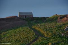 3KB02589a_C (Kernowfile) Tags: cornwall stives sand theisland stnicholaschapel chapel grass rocks hill pentax