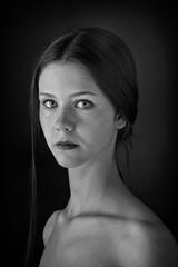 Lisa Colombo - Art Student (CONSALVO de COSTA) Tags: strobist portrait fuji fujinon fuji56mm female art student profoto primelens prime bw blackwhite bianconero liceofontana arese