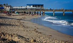 Beach Shot (LarryJay99 ) Tags: 2018 lakeworth florida lakeworthbeach atlanticocean resturants eatery fence pier flag harizon shore seaside scape seascape beachscape beach waves aqua blue