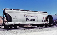 Southern Pacific covered hopper at Cajon Summit in 1993 (Tangled Bank) Tags: train railroad railway rolling stock cars equipment freight old classic heritage vintage fallen flag sp cajon pass summit california