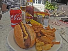 chips (Leifskandsen) Tags: cocacola hot dog ketchup eat drink chips calories restaurant camera living leifskandsen skandsenimages skandsen