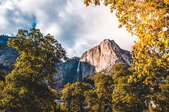 Yosemite.Village.20170924.002.2600p (l.dardennes) Tags: yosemite yosemitenationalpark california usa yosemitevalley étatsunis us canoneos7dmarkii sigma1750mmf28