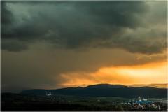 Schönwetterwolken (linke64) Tags: thüringen landschaft natur deutschland germany unterwellenborn stahlwerk wolken himmel unwetter abend berge wald ort kulturlandschaft