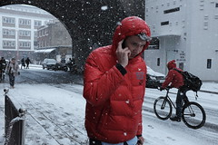 Union Street (Gary Kinsman) Tags: london se1 southwark people person fujix100t fujifilmx100t 2018 candid streetphotography streetlife snow snowing cold winter unionstreet beastfromtheeast