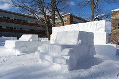 Winter Carnival 2018-11 (Nathan Invincible) Tags: michigan michigansupperpeninsula michiganskeweenawpeninsula mi michigantechnologicaluniversity michigantech winter carnival wintercarnival statue snow snowstatue campus university college ice sculpture snowsculpture