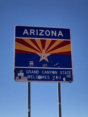 Back through Arizona to Las Vegas (Hazboy) Tags: hazboy hazboy1 vacation west western us usa america october 2017 arizona state border sign frontier