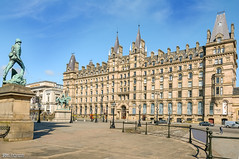 Former North Western Hotel on Lime Street (Bob Edwards Photography - Picture Liverpool) Tags: limestreet liverpool merseyside hotel university trains station alfredwaterhouse rooms architecture building lnwr railway bobedwardsphotography